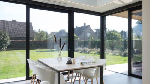Een open veranda vs. een gesloten veranda: wij helpen je kiezen!